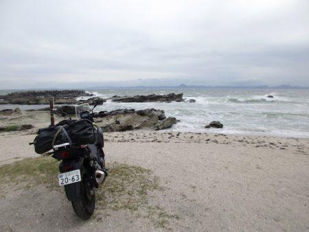 三浦半島突端の剱崎の海