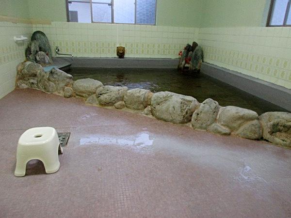 太海温泉「こはら荘」の朝湯に入る