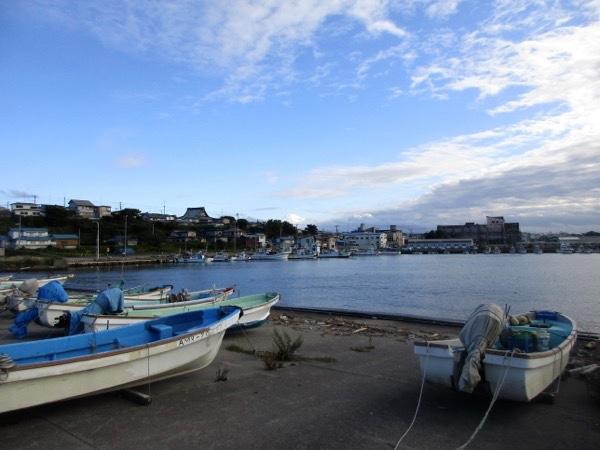 蕪島から見る八戸漁港