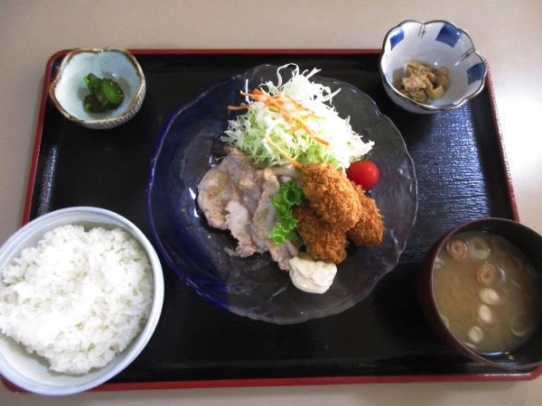 鶴亀温泉で昼食