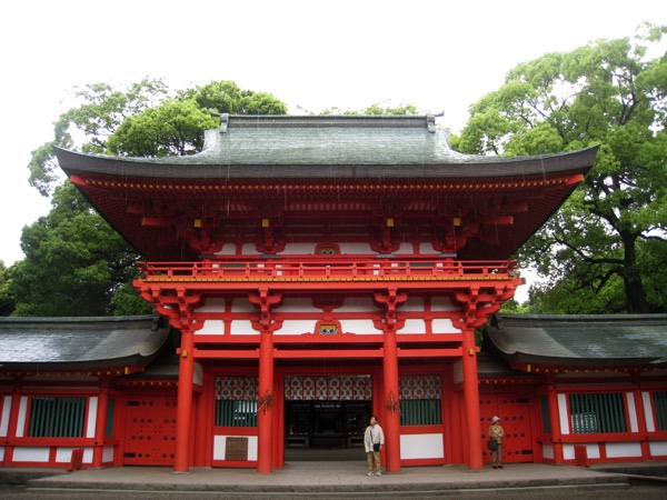 大宮宿では武蔵の一宮、氷川神社を参拝する