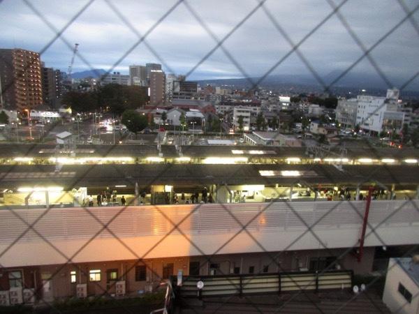 「東横イン」の部屋から見下ろす前橋駅