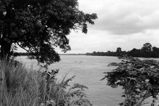 ランバレネを流れるオグエ川
