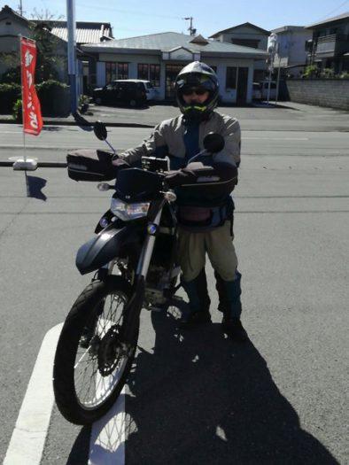 五ヶ所浦ではKLX250に乗る黒木堅太郎さんに出会う