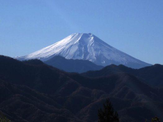 犬目峠から見る富士山