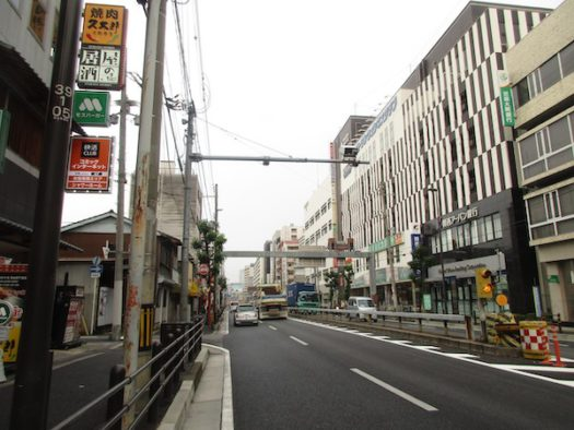 国道1号で大阪へ
